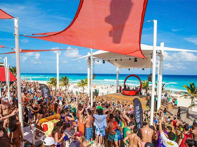 Penn State  University Park Spring Break Packages to Cancun Mexico