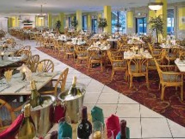 Breezes Bahamas - Main Dining Room