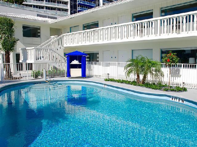 Fortuna Fort Lauderdale Pool