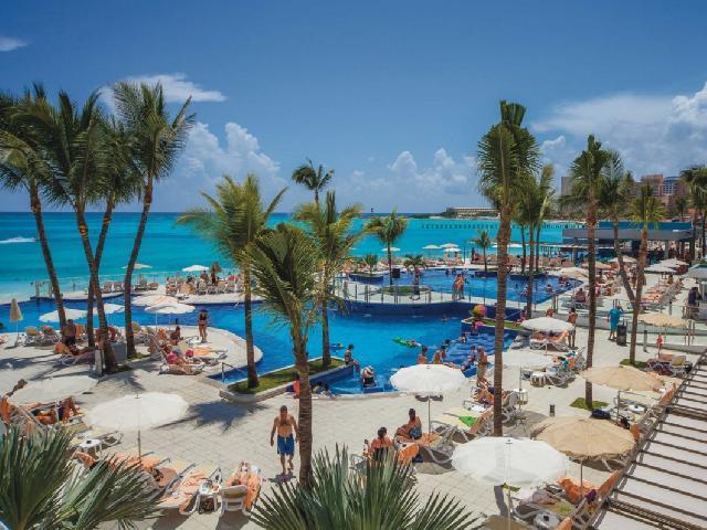 Hotel Riu Cancun Pool