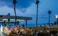 Hotel Riu Cancun Poolside Bar and Restaurant
