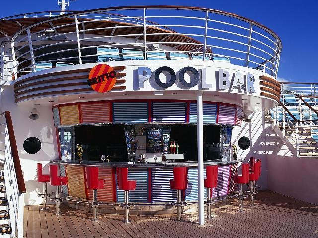 Mariner of the Seas - Pool Bar