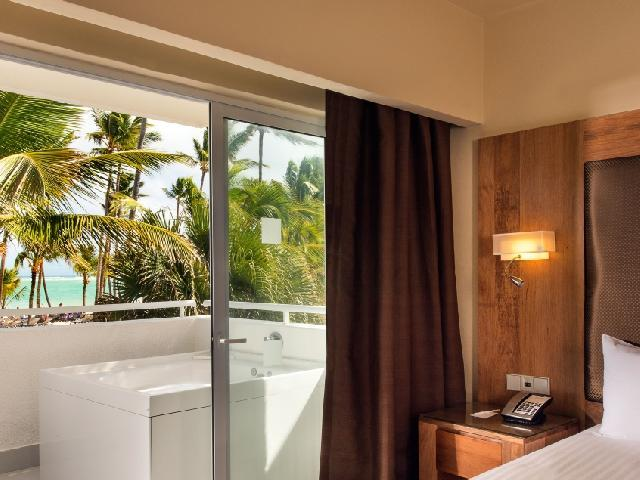 Junior Suite Ocean Front - Occidental Punta Cana