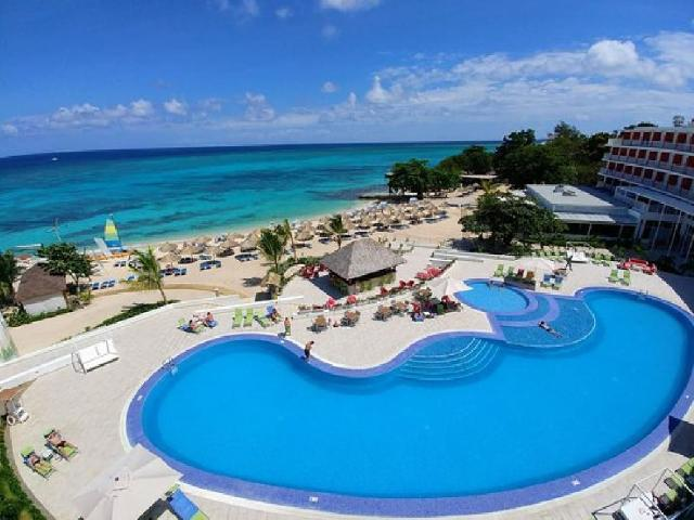 Royal Decameron Cornwall Beach -