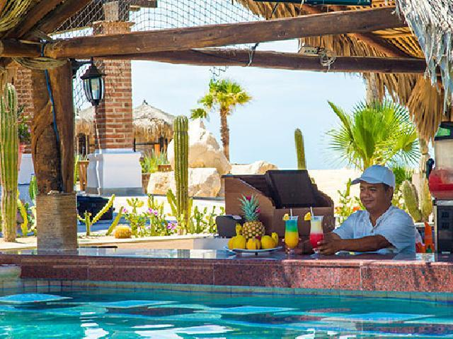 Solmar Resort - Pool Bar