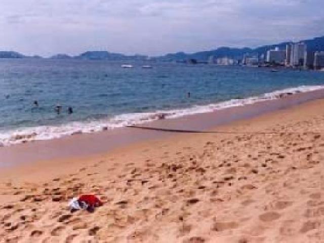 Acapulco, Mexico - Playa Lcacos Beach