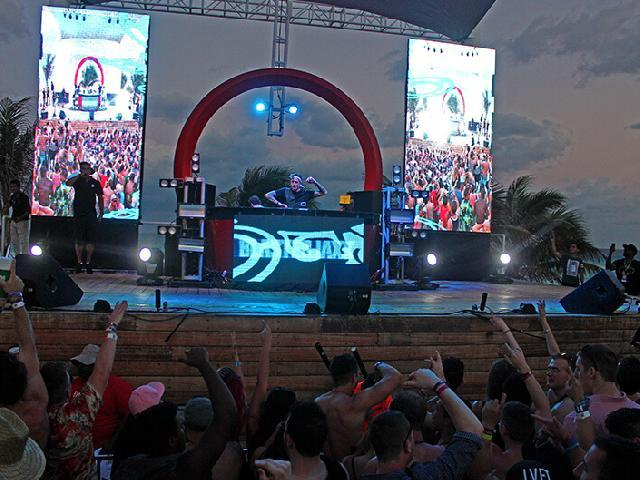 Spring Break Oasis Beach Club - Cancun, Mexico