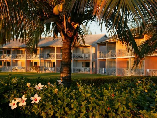 Viva Wyndham Fortuna Beach - Grand Bahamas - Cruise & Stay