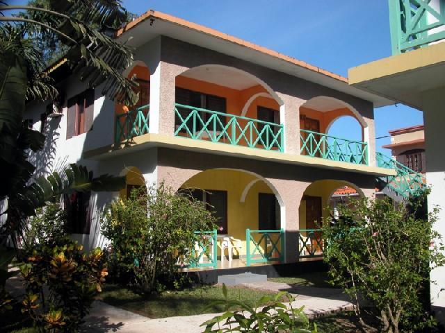 Sun garden resort sts travel for Spring garden jamaican restaurant