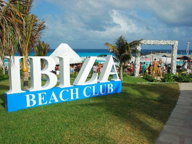Oasis Cancun -