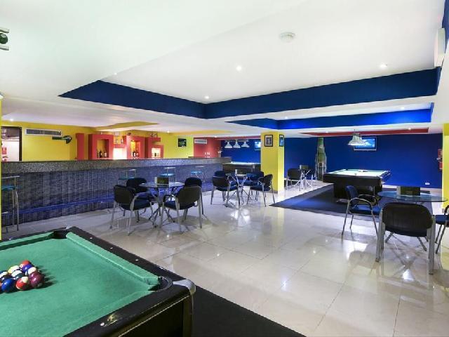 Occidental Caribe - Strikers Sports Bar